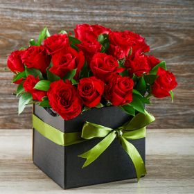 Box of 24 pcs. Red Rose