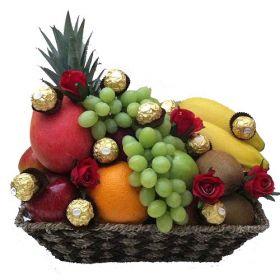 \Media Noche Fruit Basket